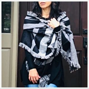Accessories - Beautiful blanket scarf